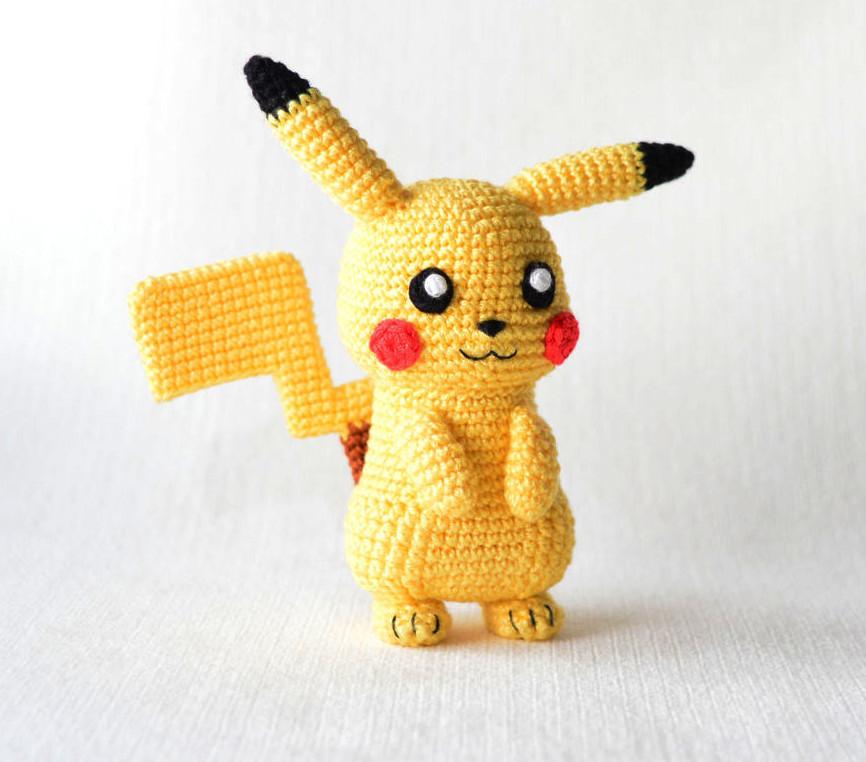 Makerist-Hase-Bär-undCo.-Unsere-17-beliebtesten-Amigurumi-Anleitungen-Amigurumi-Pikachu-2