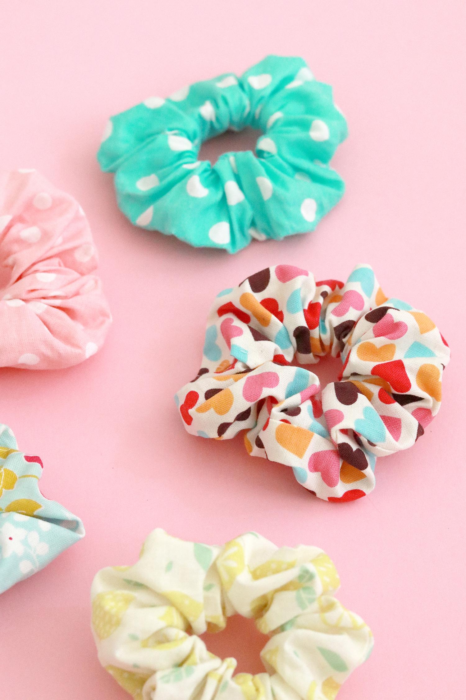 Makerist-Scrunchies-selber-nähen-DIY-Haargummis-26