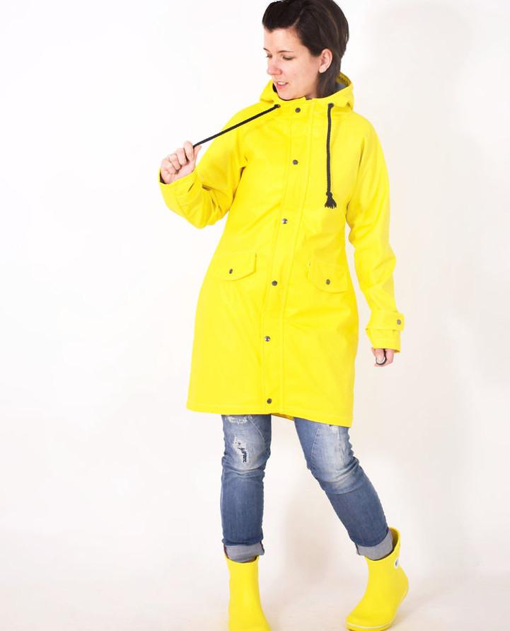 Makerist-Outdoorkleidung-selber-naehen-15-Anleitungen-fuer-jedes-Wetter-Regenjacke-Friesennerz