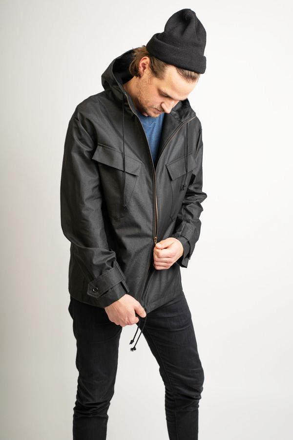 Makerist-Outdoorkleidung-selber-naehen-15-Anleitungen-fuer-jedes-Wetter-Windbreaker-fuer-Maenner