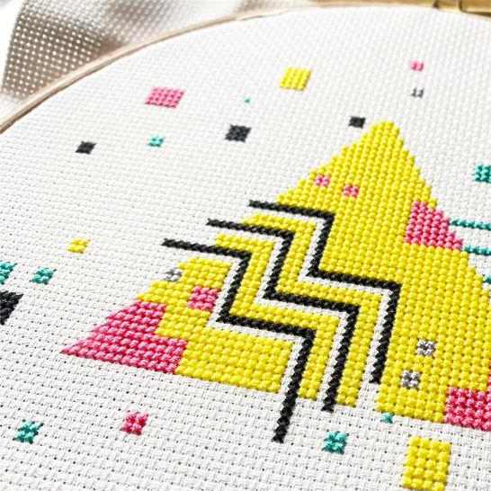 27-Last-Minute-Weihnachtsgeschenke-zum-Selbermachen-Geometrische-Stickerei