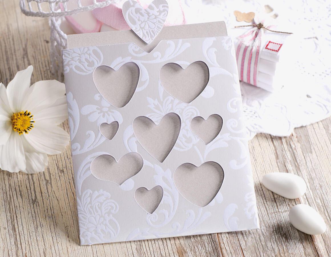 Makerist-DIY-Hochzeit-21-tolle-Anleitungen-und-Ideen-Hochzeitskarte-Einladung