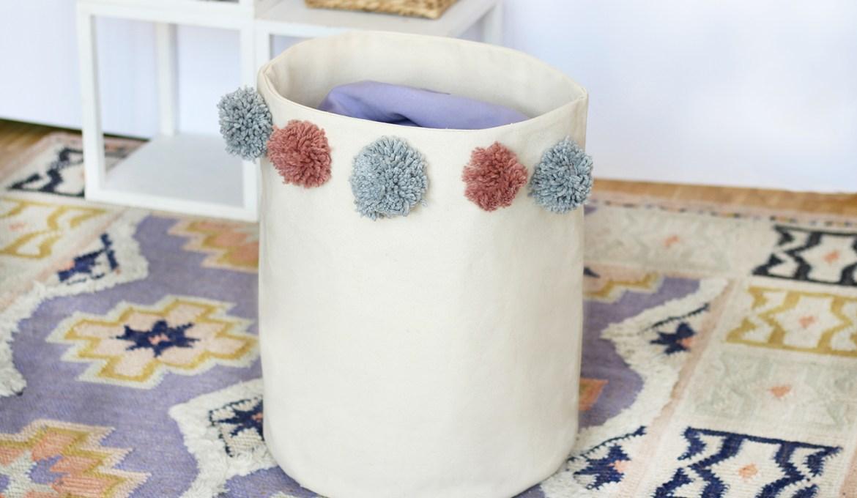 Makerist-Naehanleitung-Waeschekorb mit Pompons selber nähen