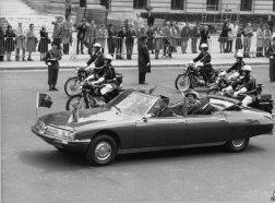 La SM Présidentielle et la Reine d'Angleterre et le Président POMPIDOU 1972 - 23.344.6 - copyright J. PEYRINET