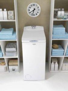 Fotografie pračky s horním plněním