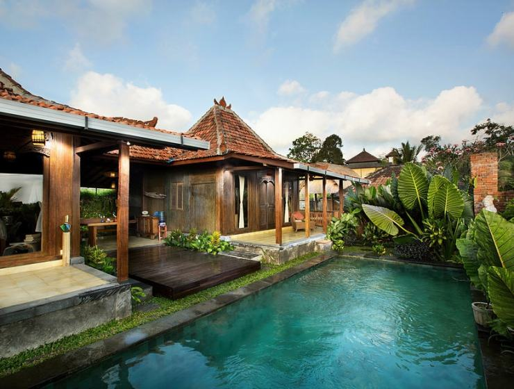 The resort comprises traditional Indonesian villas   Image courtesy of Naya