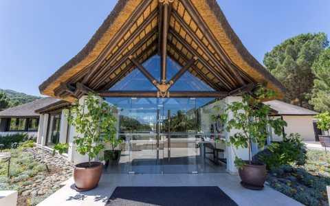 destress retreats, luxury anti-stress retreats, burn out retreats