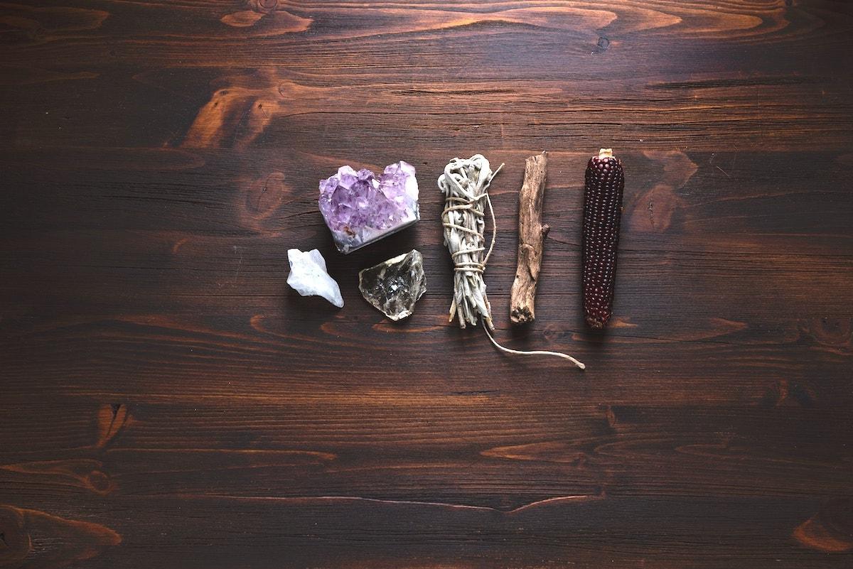 crystal healing energies holisitic health alternative therapies wellness healers healing
