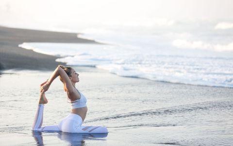 yoga retreats in the maldives