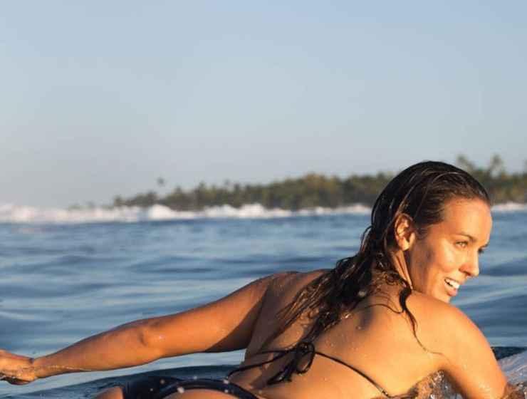 como surfing retreat in bali