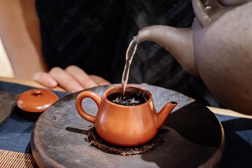best teashops in hong kong, traditional tea houses, tea ceremonies, tea culture, green tea, wellness tea