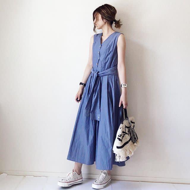 b5e837179aa77 夏はちょっと派手な色が着たくなりますが、万人ウケを意識するならブルーを選ぶのがおすすめ。カラーアイテムは 、色によって「派手すぎ」という印象になりかねません。