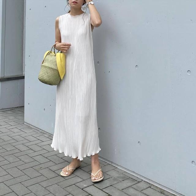 ビーチサンダルの履き方(コーデ・服装)/ワンピース