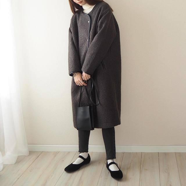 太って見えない「ボアコート」の着こなし方は? 着ぶくれしない、ボア生地コートのコーデ8選♪/「ぴったりスキニーパンツ」でメリハリを効かせて