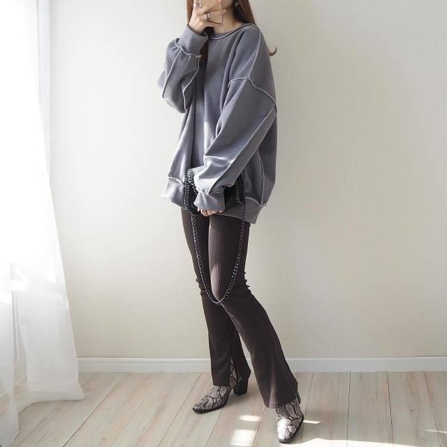 【在宅ワークの服装】買ってよかったファッションアイテムを元デザイナーが4つピックアップ!/作業DAYは「オーバーサイズスウェット」に頼りっぱなし