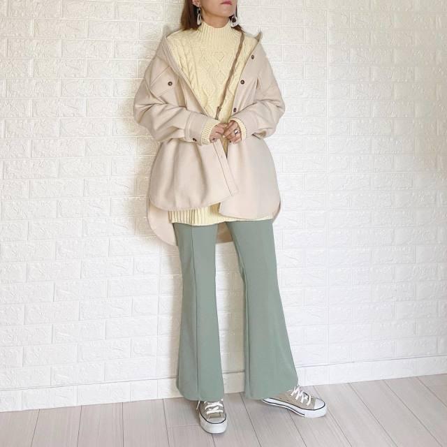 【在宅ワークの服装】買ってよかったファッションアイテムを元デザイナーが4つピックアップ!/「GU(ジーユー)のフレアパンツ」は見た目・はき心地・お手入れのしやすさがピカイチ