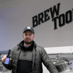 Brew Toon ready to pour first Scottish nitro beer in a bottle