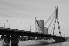 Uno dei ponti che separa la città vecchia dalla zona industriale