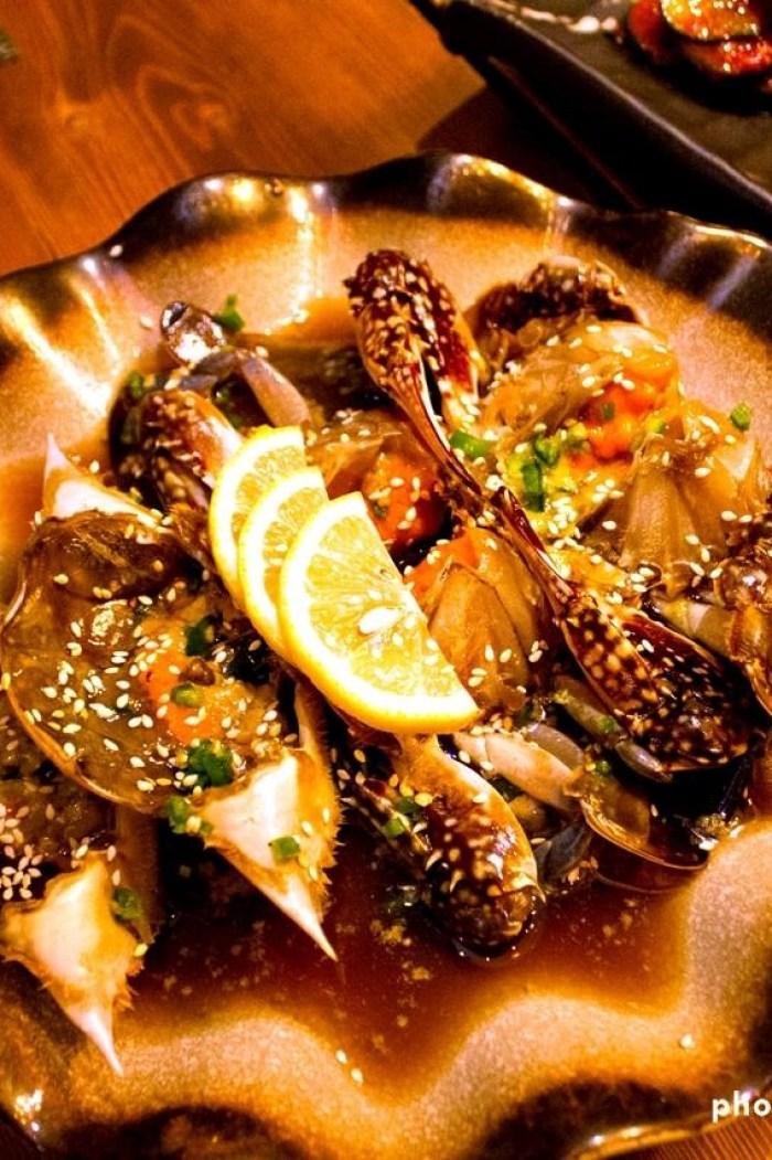 Seasonal, fresh raw korean crab | foodpanda Magazine