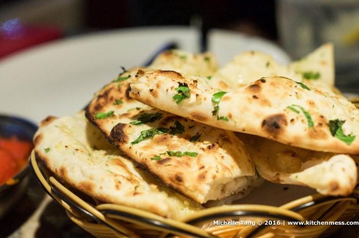 chakys garlic naan