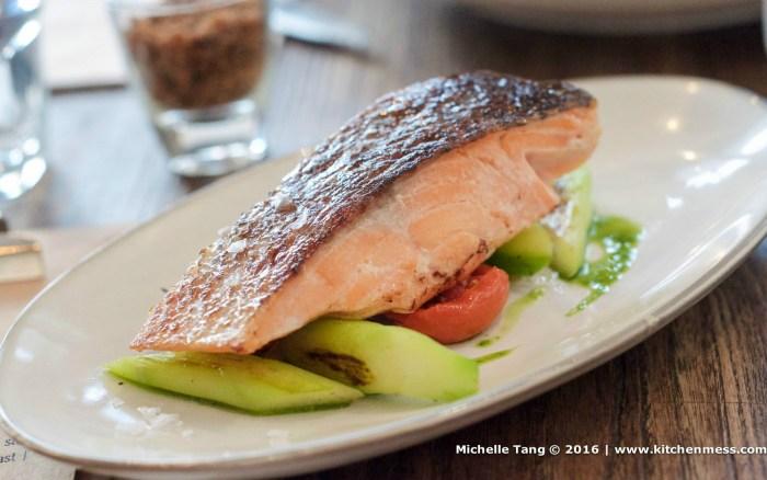Organic salmon at Locofama