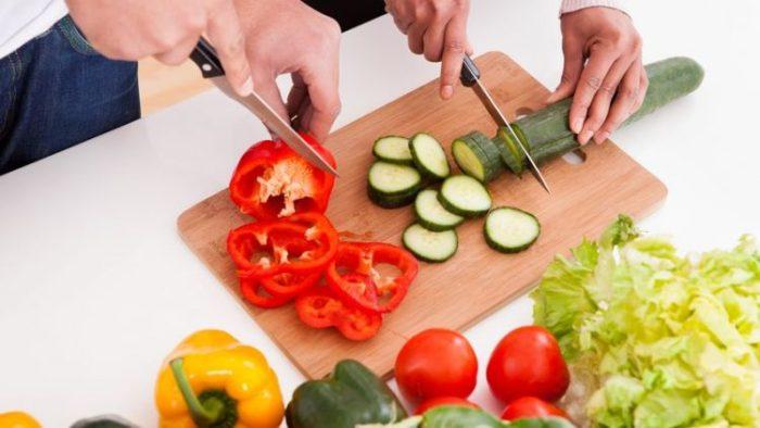 Prepare food in the correct portion