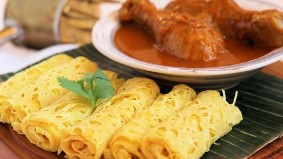 Roti Jala with Curry Chicken