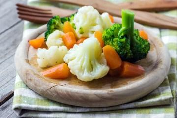 verdure al vapore - cavolfiori broccoli carote