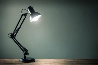 Web面接におすすめ照明器具3選!見栄えの良い当て方とは?