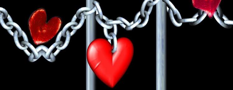Dating on line: profilo sospeso ad un detenuto