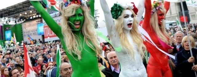 Femen: donne in topless per protesta