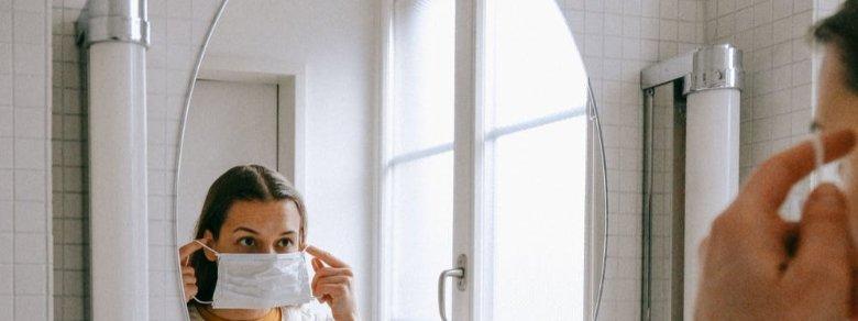 Mascherina e cura del viso: ecco come fare