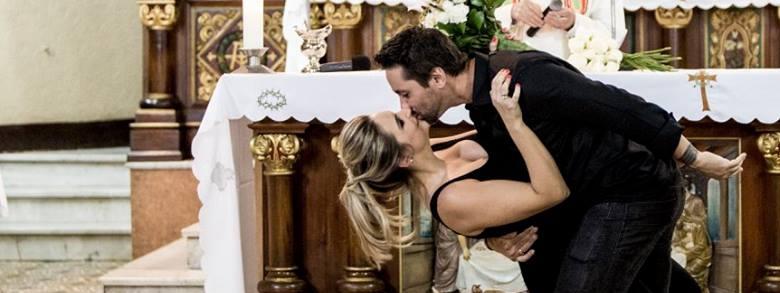 Pianifica un falso Matrimonio per chiedere la Mano della sua Ragazza