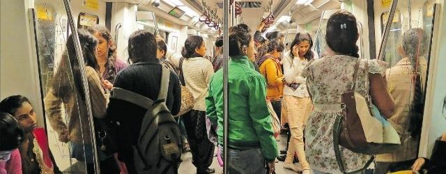 Una metropolitana tutta al femminile contro la violenza sulle donne