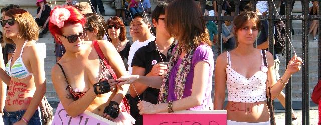 Una nuova forma di protesta: la marcia delle sgualdrine