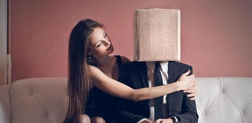come conquistare un uomo introverso