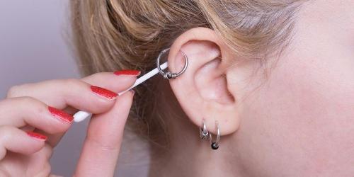 infezioni piercing orecchio