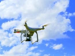 drone-1579118_640