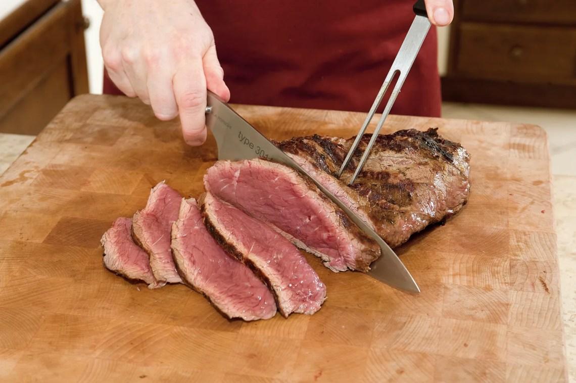 tagliata di roast-beef alla griglia - come affettare la carne