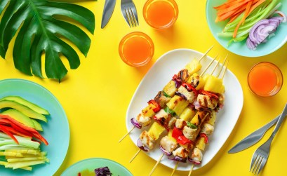 tavola tropicale per pranzo e cen