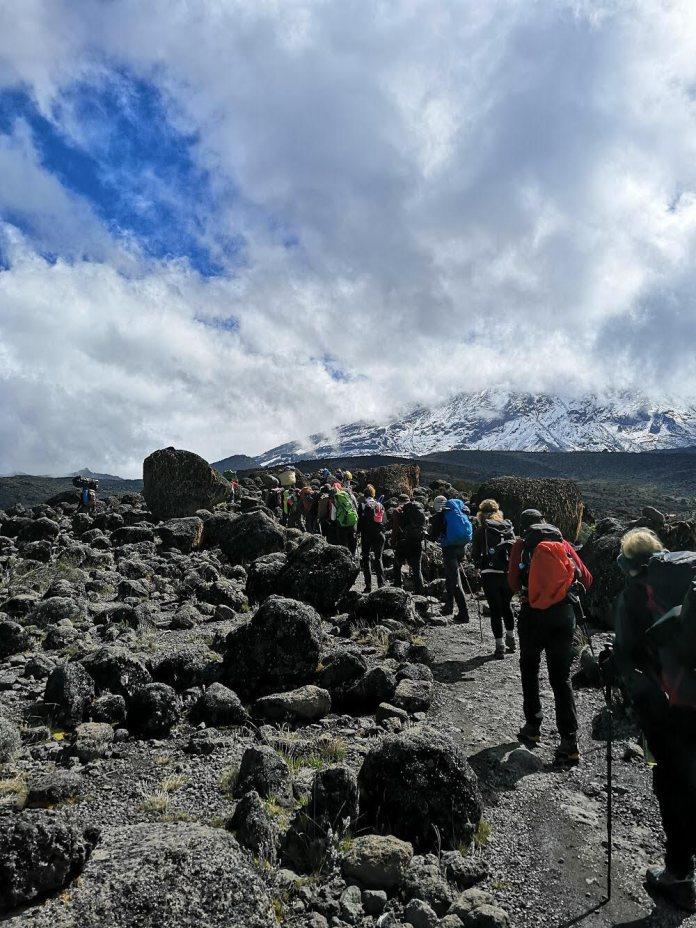 Kilimanjaro beklimmen met War Child