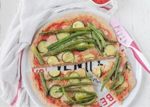 pizza integrale con verdure di stagione