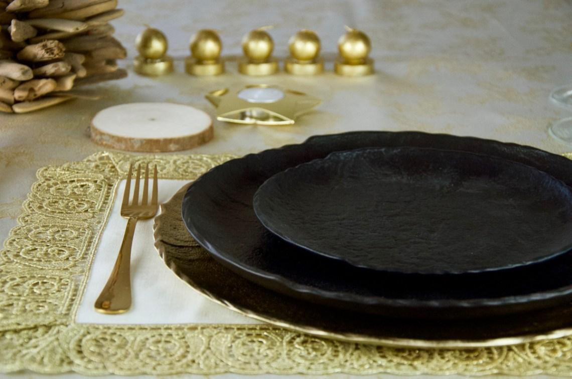 tavola oro e nero