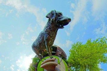 True grit statue on UMBC globe
