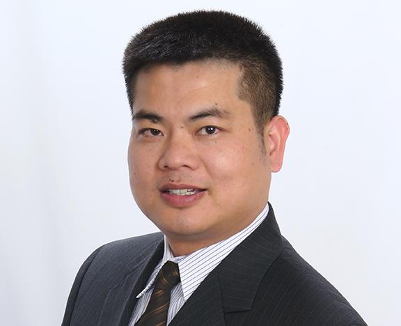 Zhensen Huang headshot