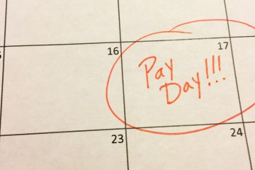 pay day circled on calendar