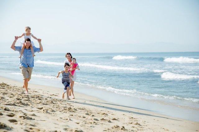 Familia disfrutando sus vacaciones en Grand Velas Riviera Nayarit, ideal para un viaje post-pandemia