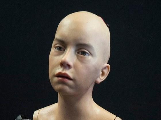 La foto mostra l'umanoide Abel