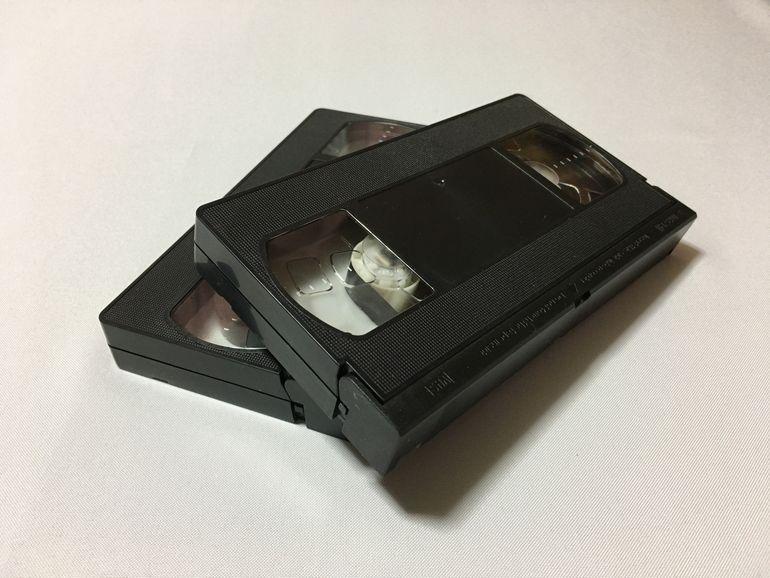 これですっきり断捨離完了!?大掃除で出てきたビデオや写真を片付ける方法