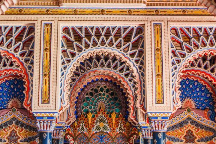 Decori orientaleggianti degli interni del Castello di Sammezzano